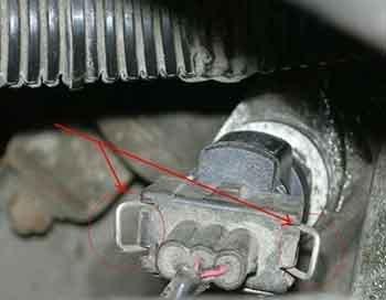 Мелкий ремонт и обслуживание ВАЗ-2110: замена датчиков скорости, тормозной жидкости и салонного фильтра